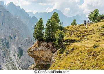 dos, excursionistas, en, el, trailhead