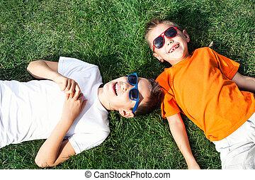 dos, hermanos, juego, outdoor.