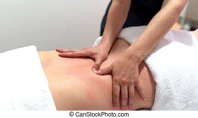 dos, jeune, réception, masage, femme, physiothérapie, centre