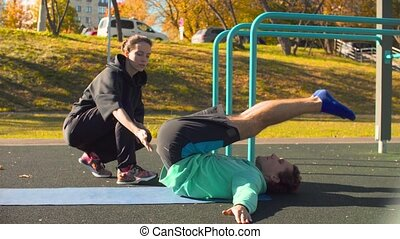 dos, jeune, sports, field., exercices, flexible, homme