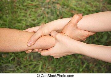 dos manos, a, ser, tenido, tercero