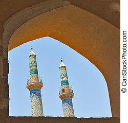 dos, minaretes, en, un, antiguo, ciudad, de, yazd, irán