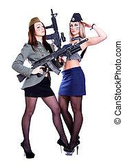 dos mujeres, en, el, marina, y, el, uniformes militares, con, el, assau