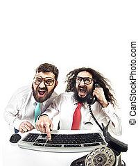 dos, nerdy, tipos, en, la oficina
