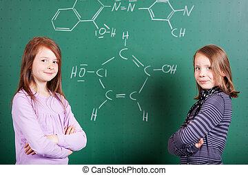 dos, niñas jóvenes, aprendizaje, química