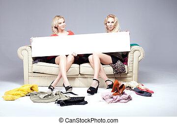 dos niñas, shopping.
