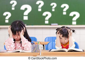dos, niños, es, lleno, de, preguntas, en la clase