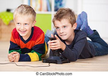dos, pequeño, niños, televisión que mira