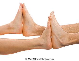 dos, pies juntos
