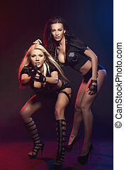 dos, sexy, mujer, como, mujer de la policía