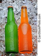 dos, soda, botellas, en, un, cama, de, hielo