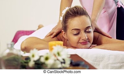 dos, spa, therapist., masage, obtient, femme