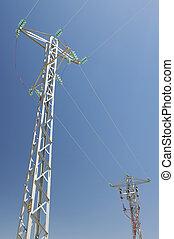 dos, torres eléctricas