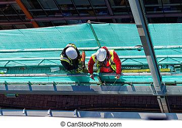 dos, trabajadores, en, interpretación el sitio