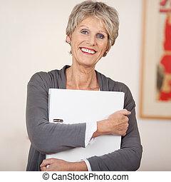 dossier, blanc, personne âgée femme, sourire