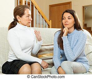 dotter, allvarlig, konversation, ha, mor