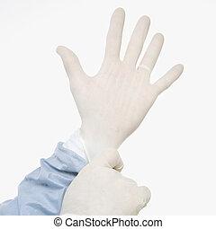 dottore, gloves.