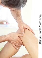 dottore, massaggio, gamba