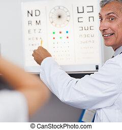 dottore, mentre, sorridente, esame, ospedale, paziente, prova, occhio, stanza