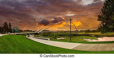 double, parc, pont espiègle, riverfront, salem