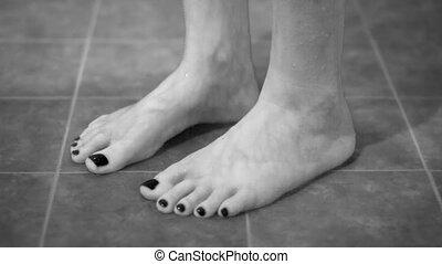 douche, pieds, touriste, monochrome