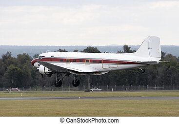 Douglas DC-3 landing