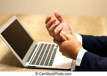 douleur, syndrome, bureau, maladie, main, homme affaires, poignet, utilisation ordinateur, professionnel