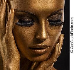 dourado, giled, pintado, mulher, rosto, make-up., pele, closeup., futurista, gilt.