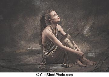 dourado, mulher, descalço, jovem, elegante, vestido