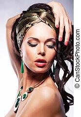 dourado, mulher, visage, mantô, -, jovem, luminoso, retrato, seda