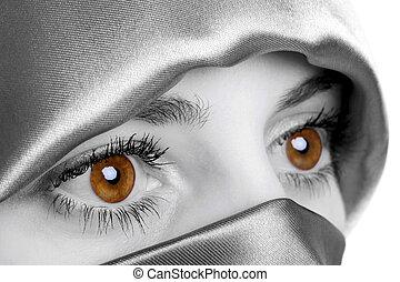 dourado, olhos