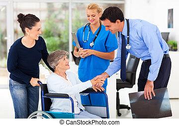 doutor, amigável, paciente, saudação, sênior, médico
