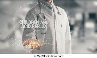 doutor, contendo mão, crianças, e, reflux ácido