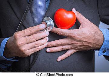 doutor masculino, mostrando, estetoscópio, para, exame, coração, coração, cuidado, conceito