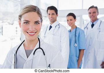 doutor mulher, frente, dela, colegas