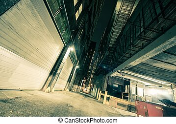 Downtown Chicago Alley - Dark Downtown Chicago Alley at...