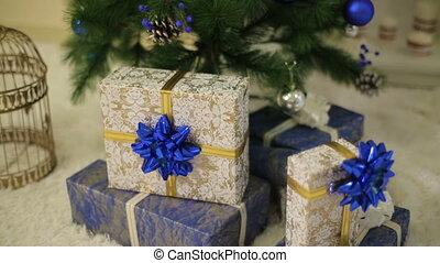 dozen, boompje, kerstkado, onder