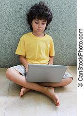 draagbare computer, jongen