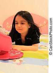 draagbare computer, kind, meisje, spelend