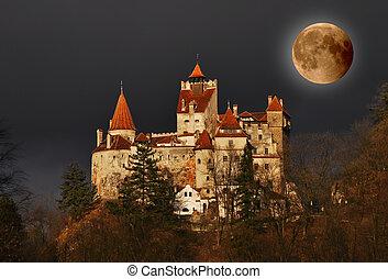 Dracula's Castle on full moon - Bran Castle - Count...