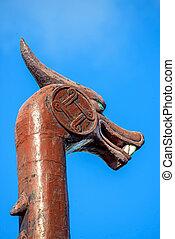 dragon figurehead of a boat