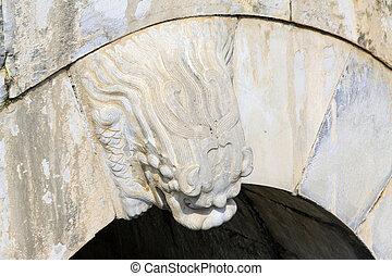 dragon's, cabeza, modelado, artes, en, el, puente de piedra