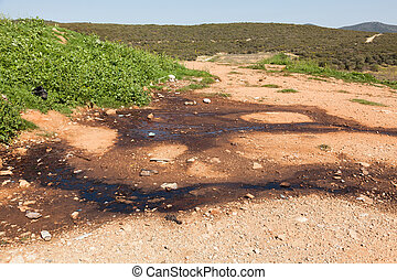 Draining water poisons the ground - Landfill waste water....