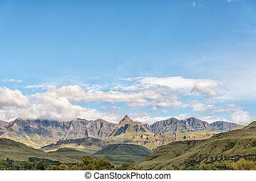 Drakensberg at Garden Castle. Rhino Peak is visible in middle