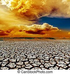 dramático, color, nubes, encima, sequía, tierra