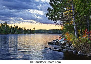 dramático, ocaso, en, lago