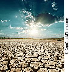 dramático, ocaso, encima, sequía, tierra