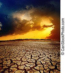 dramático, pôr do sol, sobre, secos, terra rachada