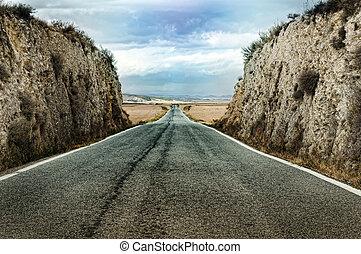 dramático, viejo, camino de asfalto
