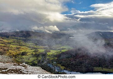Dramatic clouds and mist on Nab Scar in the English Lake ...